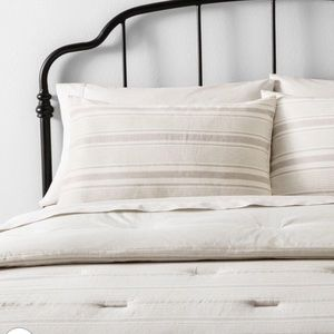 ❤️SALE❤️Hearth and hand F/Queen Comforter Set new